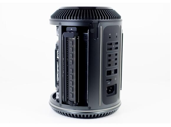 Настолен компютър Apple Mac Pro 3.5GHz 6C Intel Xeon E5/16GB/256GB SSD/FirePro D500 3GB - 4